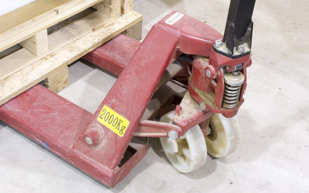 What is a pallet jack for? Types, and how to choose the right one